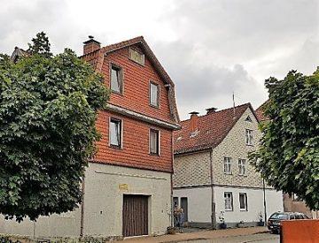 Zwei Gebäude, alle Möglichkeiten, im Herzen von Osterode am Harz. Packen Sie's an ! Preisrutsch !, 37520 Osterode am Harz, Haus