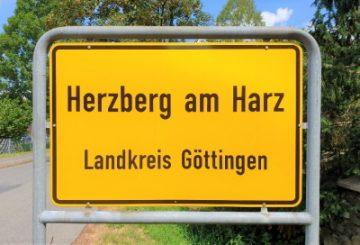 Schnuckeliges Einfamilienhaus mit Garten für Mama, Papa, Kind & Kegel in Herzberg am Harz ! :-), 37412 Herzberg, Einfamilienhaus